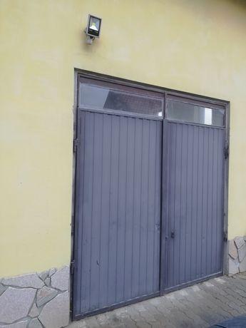 Drzwi garażowe szerokość 240 wysokość 250