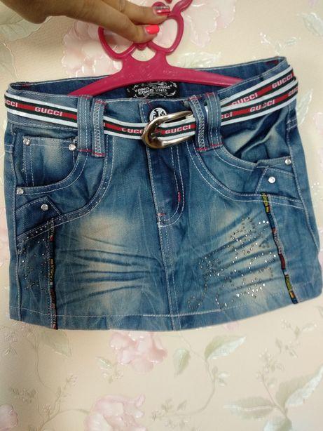 Джинсова спідниця із стразами юбка р 128
