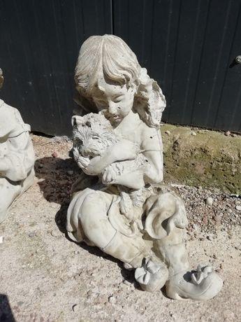 Figurki i ozdoby ogrodowe z betonu