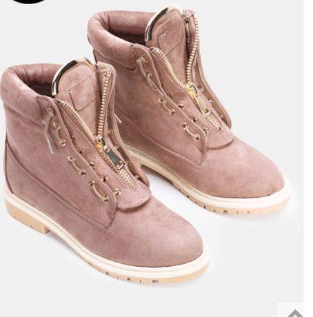 Różowe faux suede botki trapery Camden 38 Zara