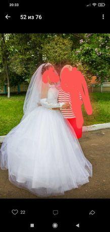 Продам свадебное платье и аксесуары
