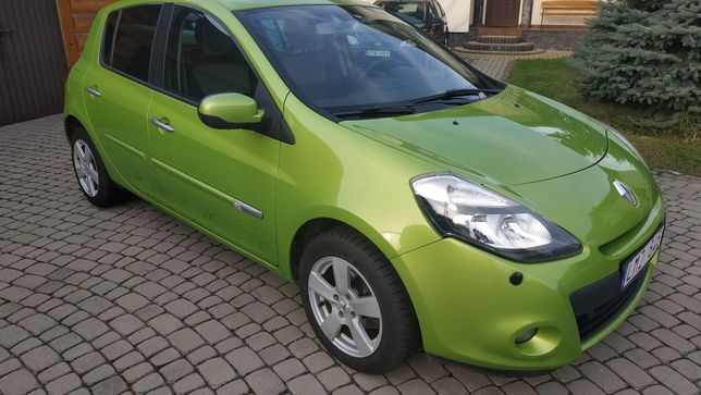 Renault CLIO == 1 2 Benzyna ==