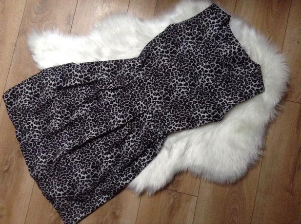 Sukienka we wzory S 36 rozkloszowana