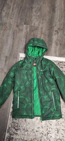 Продам карточку,куртку на мальчика 140 см осень весна