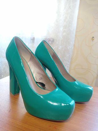 Туфлі на високому каблуку, зелені