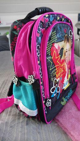 Plecak dla dziewczynki Violetta Disney, duński, mieści format A4.