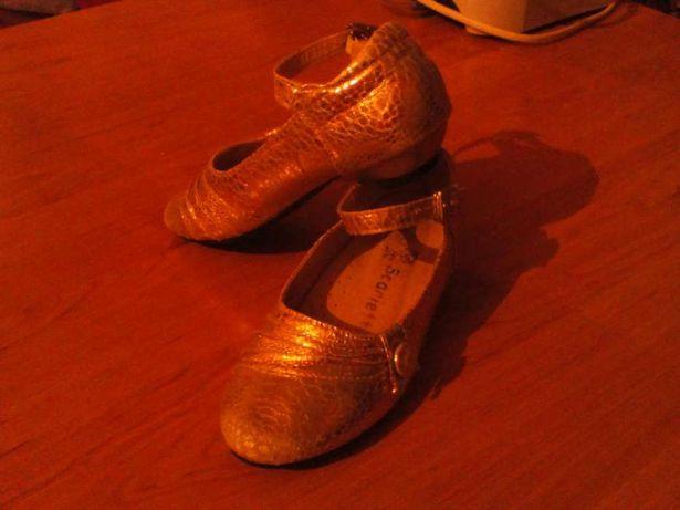 Туфли 26 размер- 300 рублей