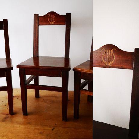 3 cadeiras de criança