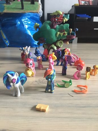 Zestaw konikow ponny originalny Celestia domek