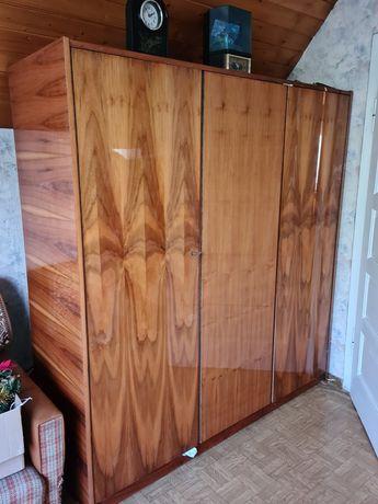 Oddam szafę 3 drzwi