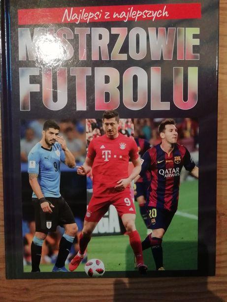 """Książka ,,mistrzowie futbolu"""""""