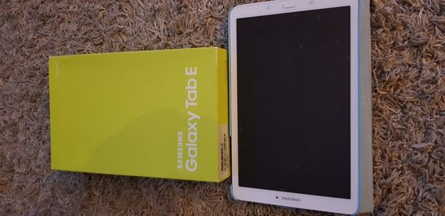 "Tablet Samsung Tab E 9.6"""