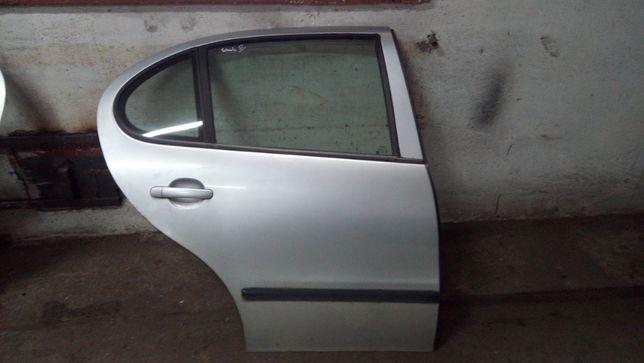 Seat Toledo II 2 Drzwi prawy tył kompletne