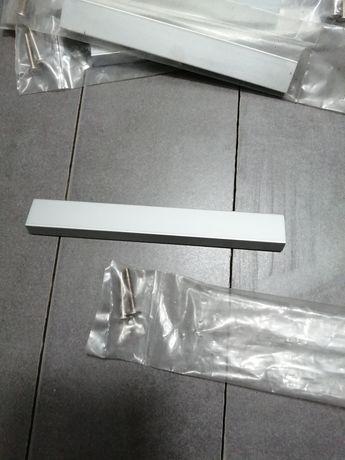 Puxadores em alumínio