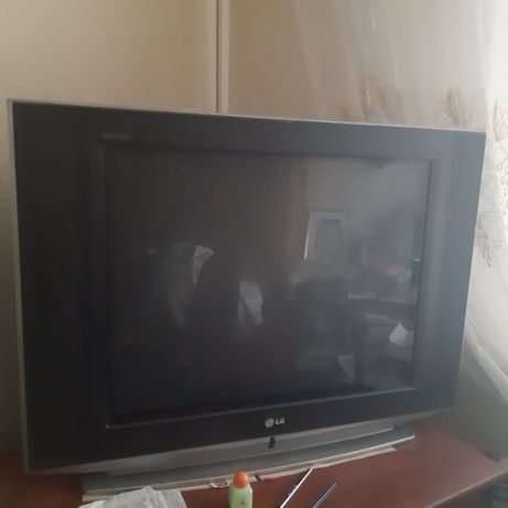 Телевизор LG 29 FS4RLX в отл.состоянии ш80см*в60*т37 не настенный.