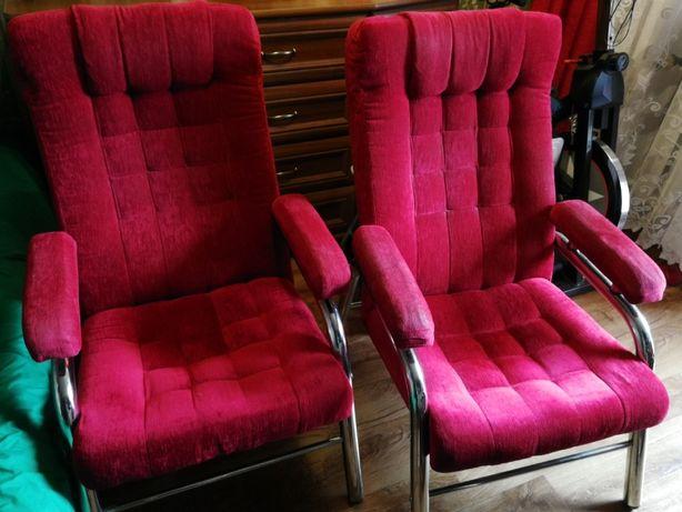 Świętochłowice dwa fotele czerwone czerwień obicie materiał metal
