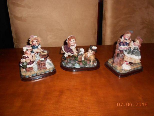 Bonecos em porcelana
