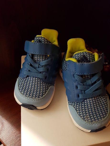Дитяче взуття.  детские кроссовки Adidas 19 р. Новые