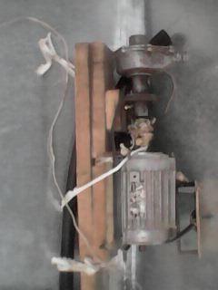продам водяную помпу с електродвигателем