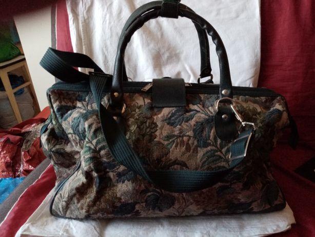 Damską torbę