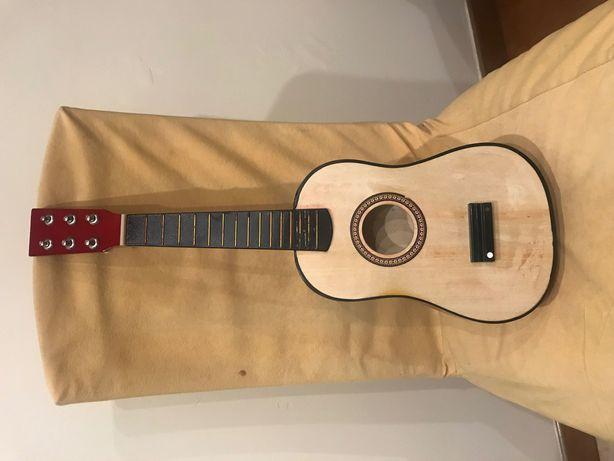 Sprzedam dziecinną gitarę bez strun