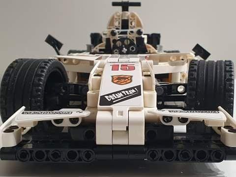 Klocki Technic LEGO Cada F1 Formuła z silnikami RC zdalnie sterowanA