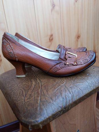 Туфлі жіночі коричневі