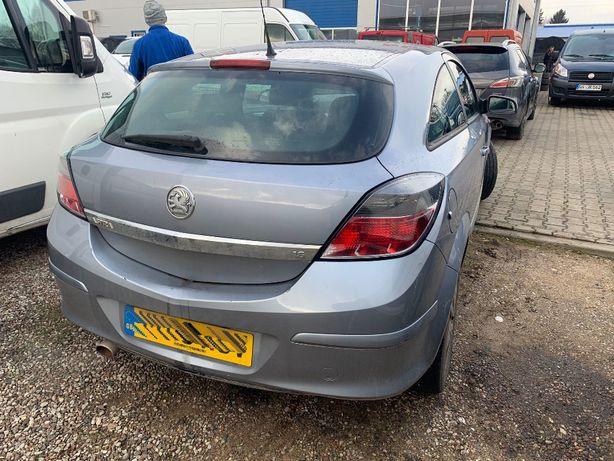 Tył kompletny Opel Astra III 2009 Z163 klapa zderzak