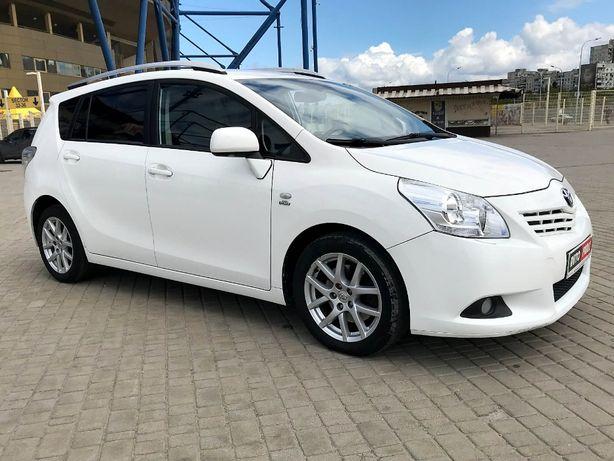 Продам Toyota Verso 2011г.