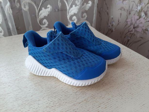 Летние кроссовки,23 размер Adidas