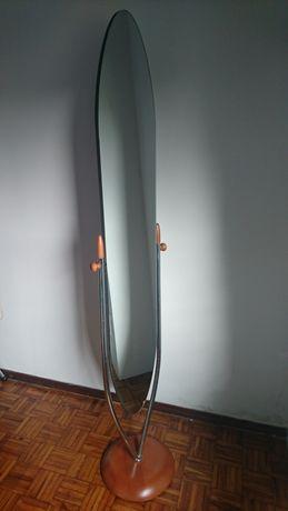 Espelho de pé de quarto