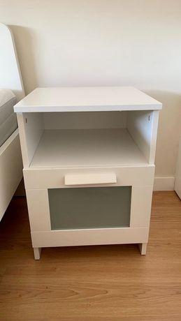 2 Mesas de cabeceira brancas - ikea