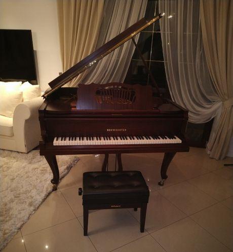 Piękny Fortepian SCHWECHTEN 140cm stan perfekcyjny kolor mahoń półmat