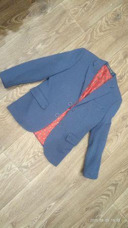 Срочно стильный пиджак на 6-8 лет