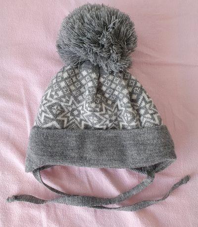 Детская теплая шапка на малыша до года