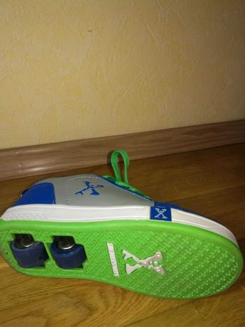 Роликовые кроссовки Heelys 33 размер 500 грн