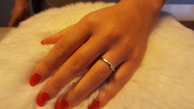 Pierścionek zaręczynowy z brylantem białe złoto rozmiar 16