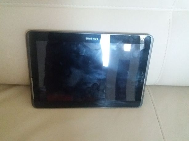 Tablet samsung GT-P5110 w idealnym stanie