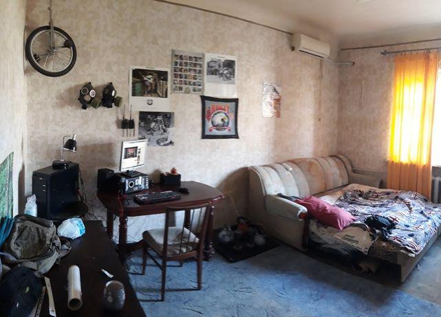 Сдам двухкомнатную квартиру в центре города.