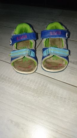 sandały sandałki chłopięce r 24, 13,5 cm fisher price