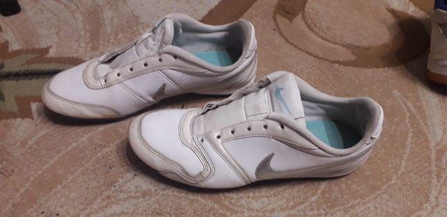 Кроссовки Nike. 36 размер