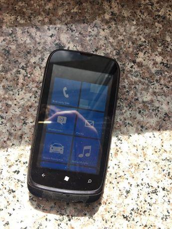 Smartfon Nokia Lumia 610 czarny 8 GB