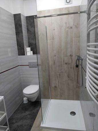 Wolne  pokoje z łazienkami dla pracowników firm.