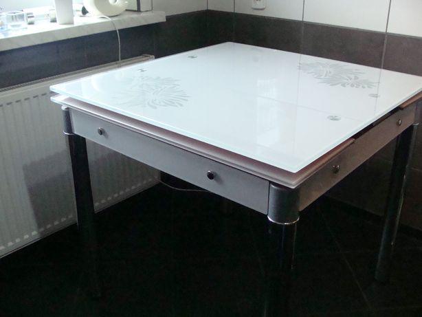 Stół szklany biały
