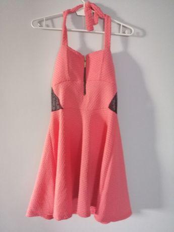 Sukienka różowa idealna na lato