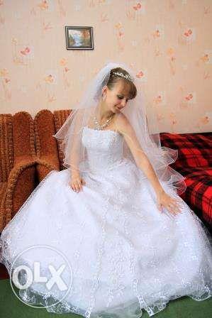Счастливое свадебное платье, 4000 руб.
