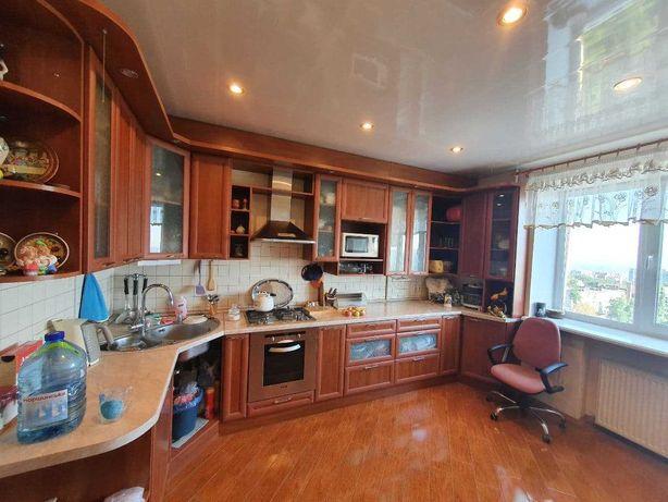 Продам 3х-комнатную квартиру пл-153м в новом жилом доме.