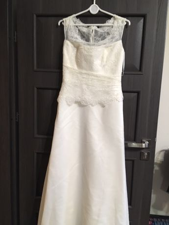 Suknia ślubna ecri dekolt łódka, koronka