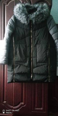 Красивая куртка-курточка