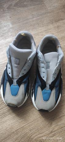 Продам кросовки Adidas YEEZY